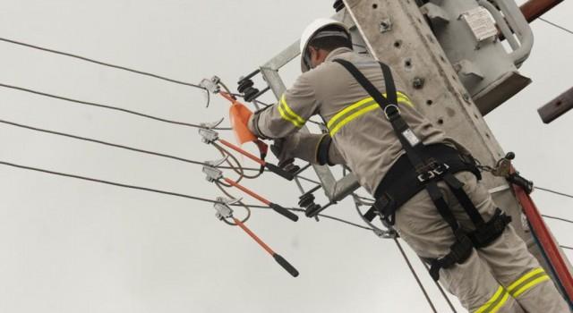 Reajuste autorizado pela Aneel coloca energia elétrica na pauta do Legislativo