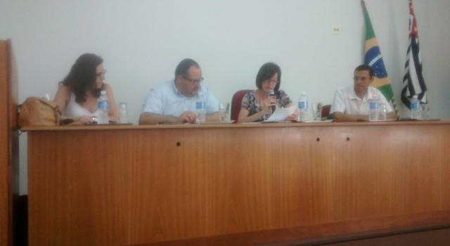 Raquel Picelli presidiu audiência pública da Comissão de Direitos da Criança na Acirc.