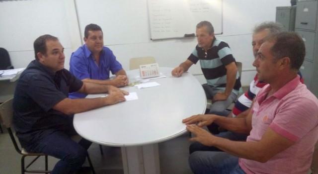 La Torre, Emílio Cerri e empresários discutem condições das estradas rurais