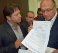 Paulo Guedes entregou ofício ao governador Geraldo Alckmin onde solicita obra em estrada