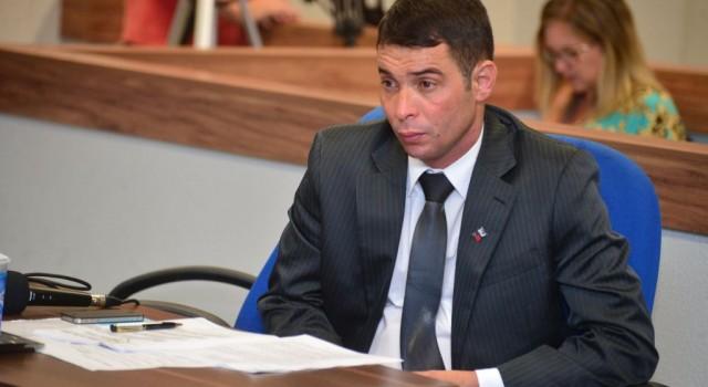 Vereador Luciano Bonsucesso institui homenagens aos líderes comunitários da cidade