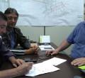 Julinho Lopes discute a possibilidade de substituir as atuais canaletas por modelos canalizados com o secretário Paulo Roberto Lima