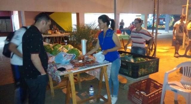 Luciano Bonsucesso visitou a feira livre que a partir de agora funciona no CEU Mãe Preta