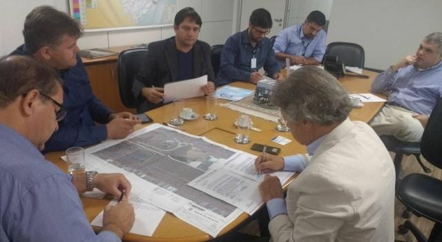 Paulo Guedes, Juninho da Padaria e Vanderlei Macris na reunião na Artesp, em São Paulo